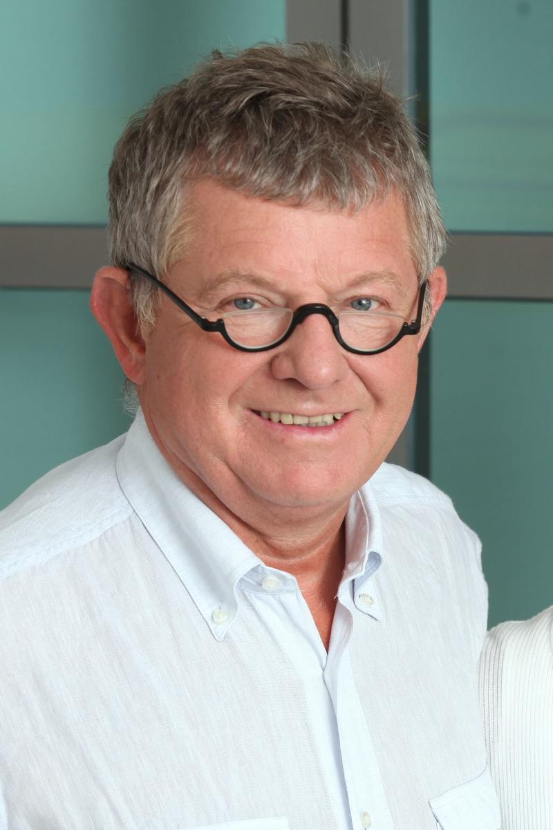 Dr. Matthias Sandhofer
